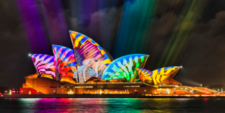 玩咖專欄_【2019繽紛雪梨燈光節】澳洲雪梨這樣玩!活動時間、景點、住宿懶人包
