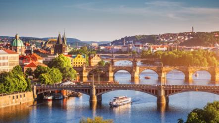 玩咖專欄_東歐捷克|壯遊金色布拉格、童話小鎮庫倫洛夫,新手必讀換匯、交通、氣候懶人包!