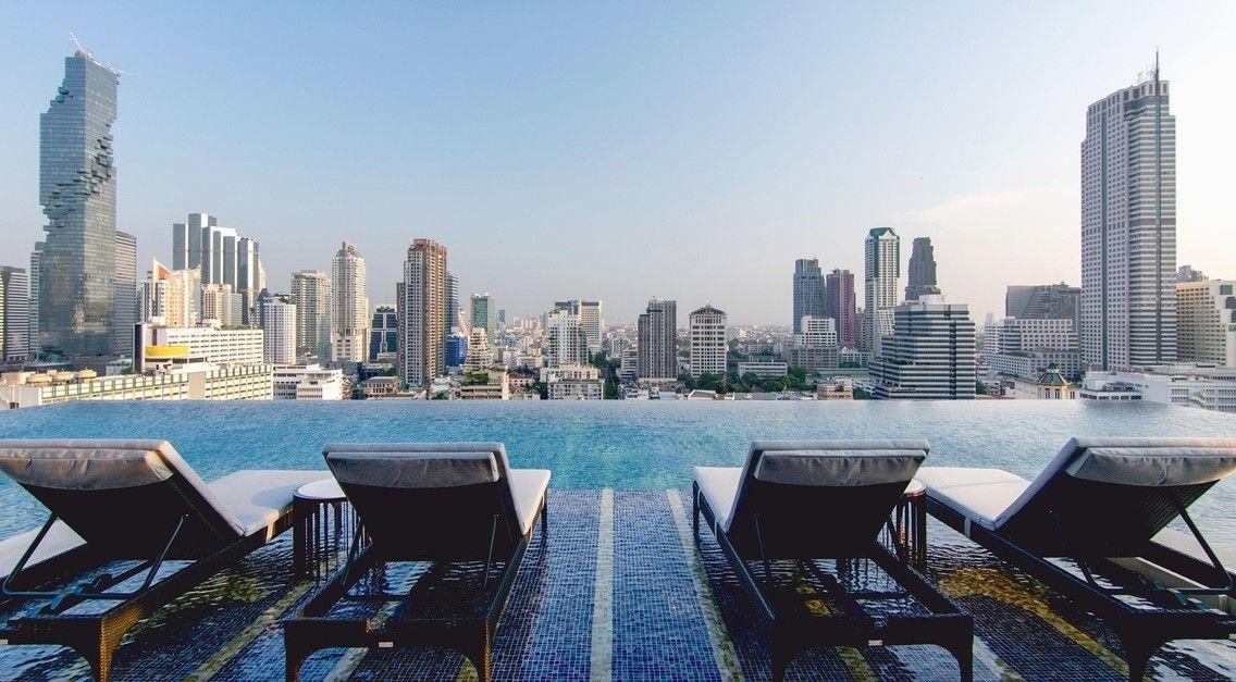 玩咖專欄_泰國住宿推薦|曼谷4間超高CP值的五星級酒店 一晚只要2000台幣即可享受無邊際泳池?!