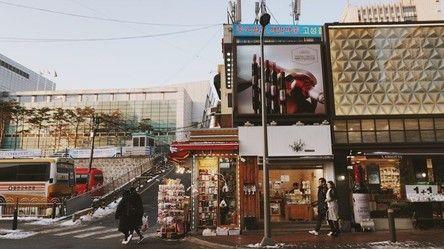 玩咖專欄_【韓國購物】首爾5大血拼熱點:韓國必買之弘大新商場、唇膏牆、眼鏡店
